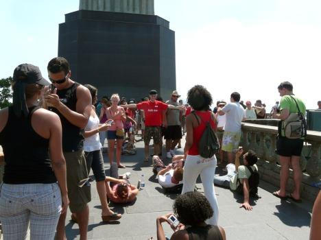 ... nur gestört durch unzählige Touristen, die scharf auf ein Erlöser-Foto waren